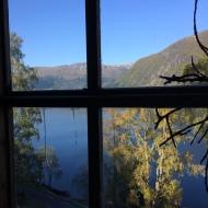 utsikt fra atelieret utover Jølstravatnet